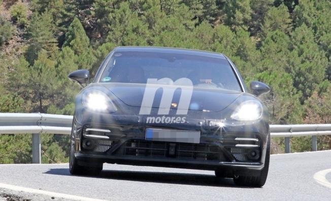 Porsche Panamera Sport Turismo 2020 - foto espía frontal