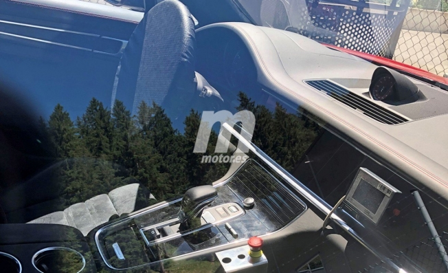 Porsche Panamera Sport Turismo 2020 - foto espía interior