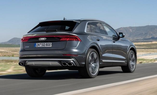 Audi SQ8 - posterior