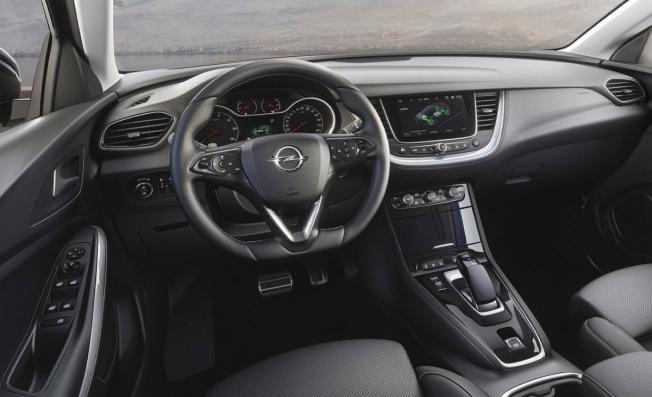 Opel Grandland X Hybrid4 - interior
