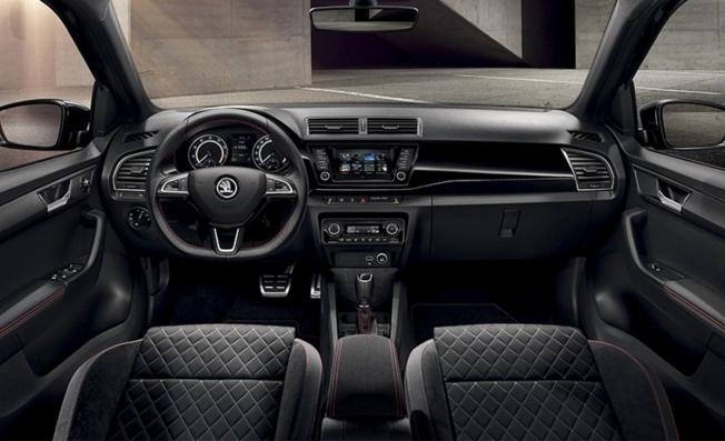 Skoda Fabia Black Edition - interior
