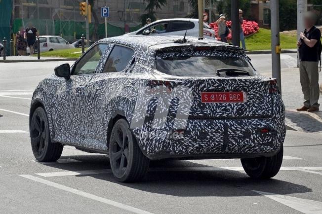 Nissan Juke 2020 - foto espía posterior