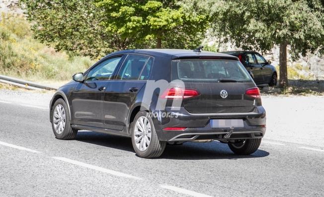 Volkswagen Golf Alltrack 2021 - foto espía posterior