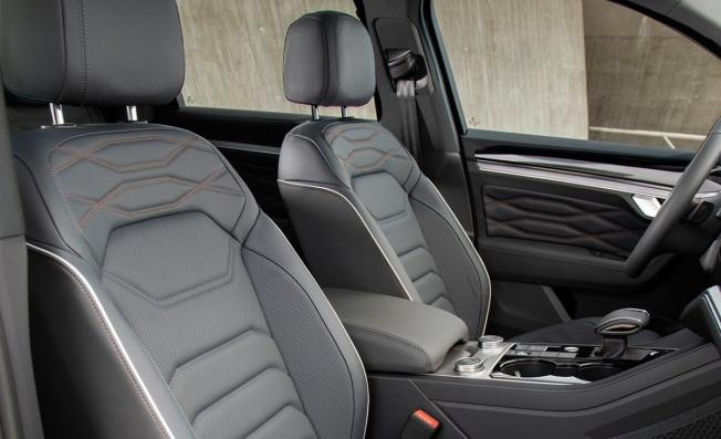 Volkswagen Touareg ONE Million - interior
