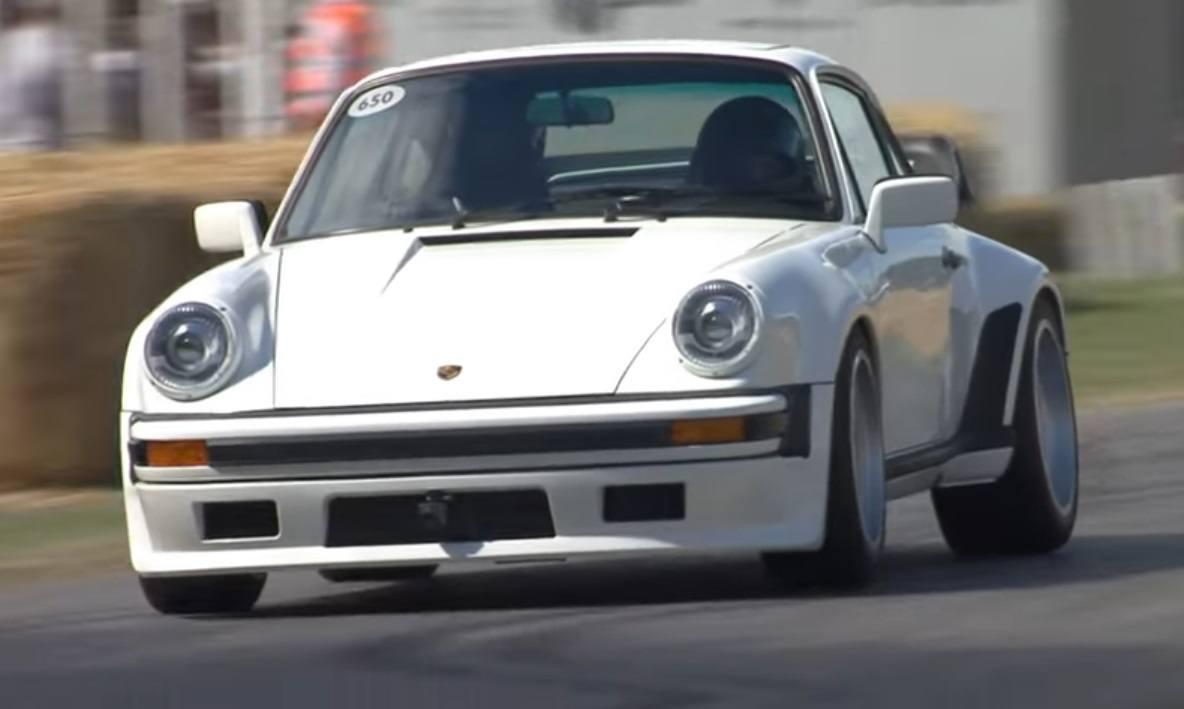 El primer Porsche 911 TAG Turbo con motor de F1 rodó en Goodwood [vídeo]