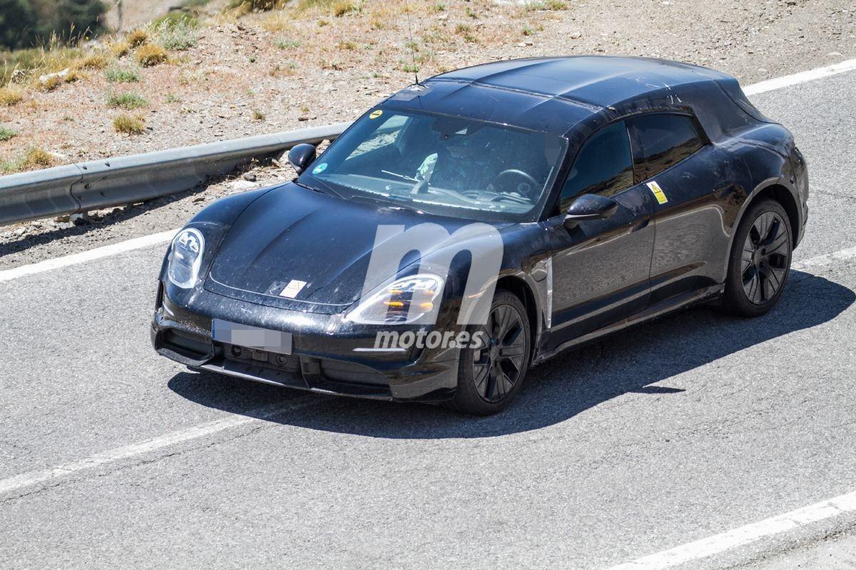 Los prototipos del Porsche Taycan Cross Turismo 2021 afrontan las pruebas de verano