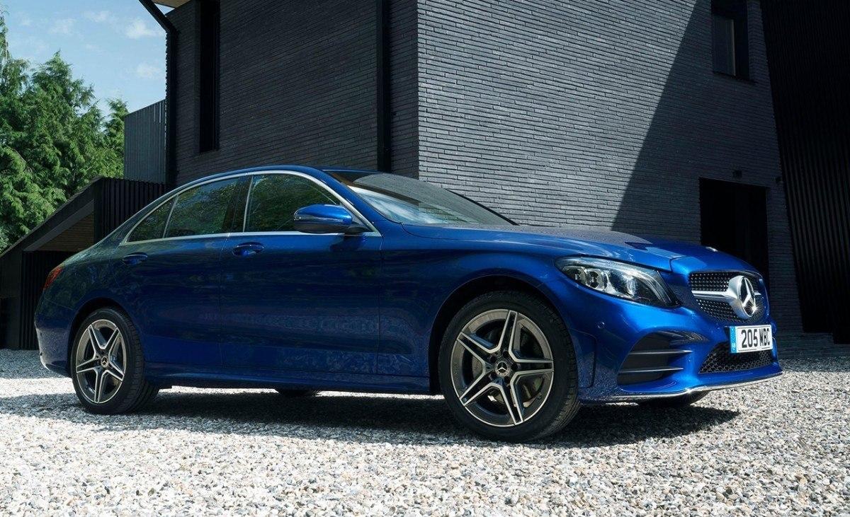 La gama de Mercedes Clase C incorpora la versión semihíbrida C 300