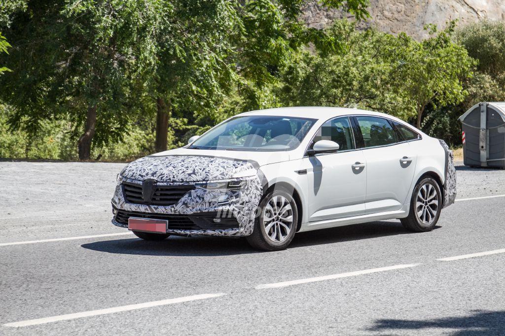 El nuevo Renault Talismán 2020 comienza a perder camuflaje