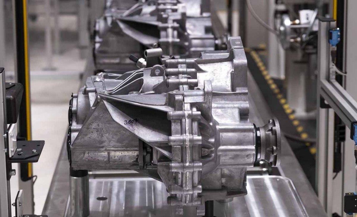 SEAT ya fabrica en España una nueva caja de cambios manual