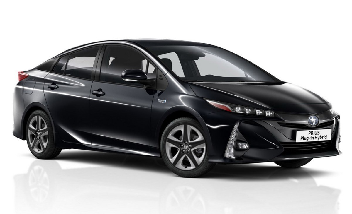 Toyota Prius PHEV 2019, el modelo híbrido enchufable estrena novedades