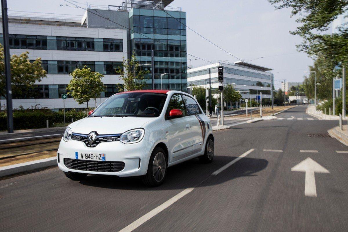 Francia - Junio 2019: El Renault Twingo revive gracias a su última actualización