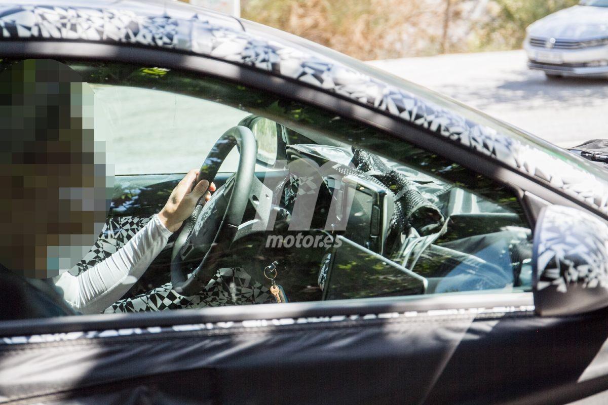 Nuevas fotos espía del Hyundai i30 2020 dejan ver parte del interior