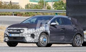 El nuevo Kia XCeed PHEV cazado a plena luz del día, llegará al mercado en 2020