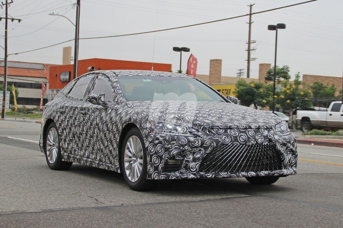 El nuevo Lexus LS de hidrógeno ya rueda con su configuración definitiva