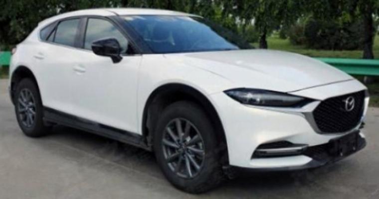 La primera gran actualización del Mazda CX-4 filtrada al completo