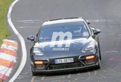 Gemballa prueba una nueva aerodinámica a bordo del Porsche Panamera Turbo en Nürburgring