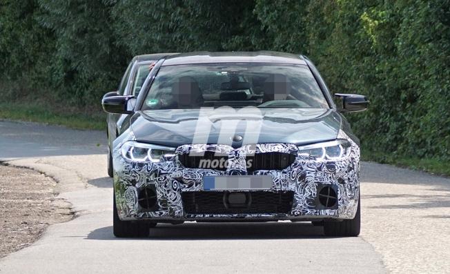 BMW M5 2021 - foto espía frontal