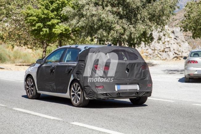 Hyundai i30 2020 - foto espía posterior