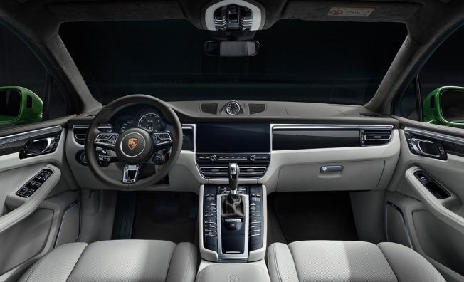 Porsche Macan Turbo 2020 - interior