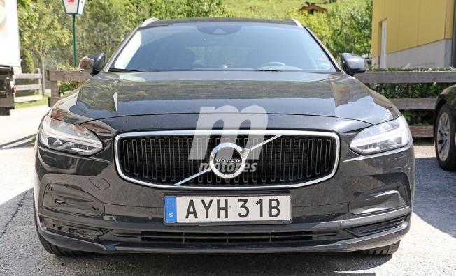 Volvo V90 2021 - foto espía frontal
