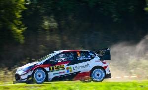 Ott Tänak supera a Dani Sordo en el SS1 del Rally de Alemania