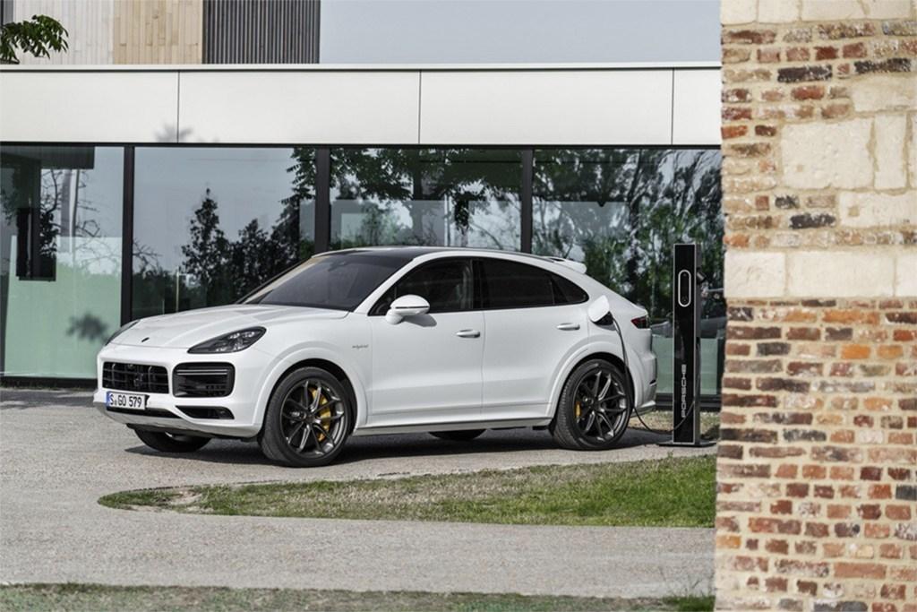 Precios para España de los Porsche Cayenne y Cayenne Coupé híbridos