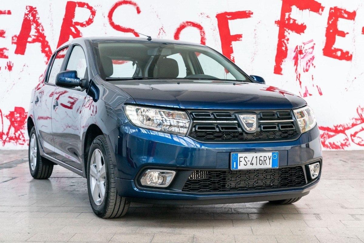 Italia - Julio 2019: El Dacia Sandero alcanza una nueva posición histórica