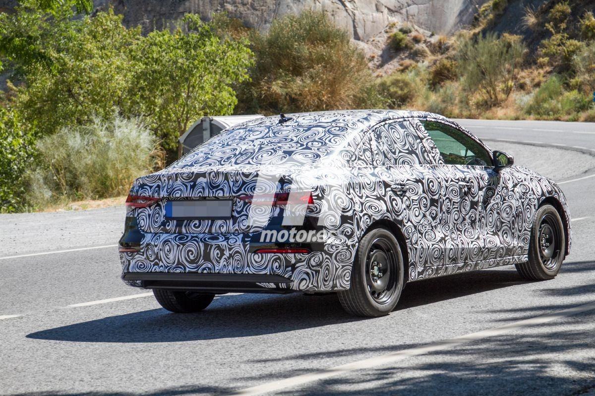 2020 - [Audi] A3 IV - Page 9 Audi-a3-sedan-fotos-espia-basica-2021-201961139-1569499680_6