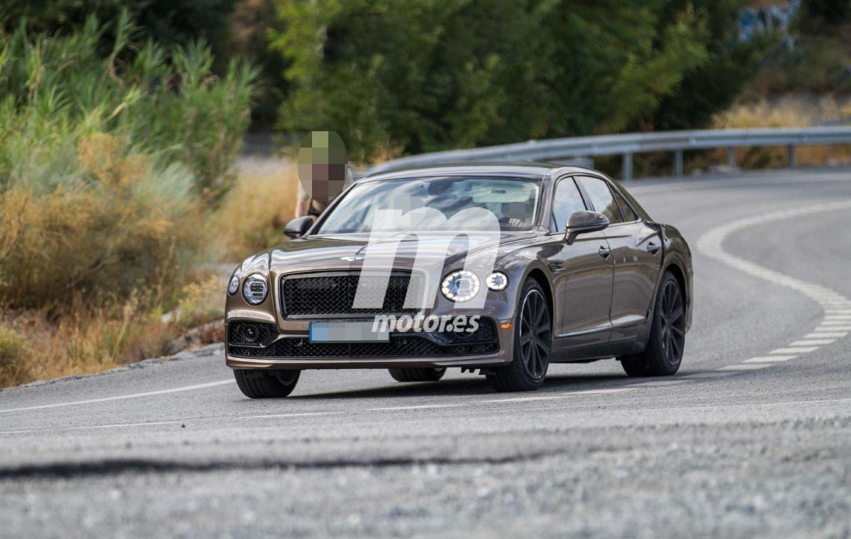 El nuevo Bentley Flying Spur Speed hace su primera aparición en fotos espía