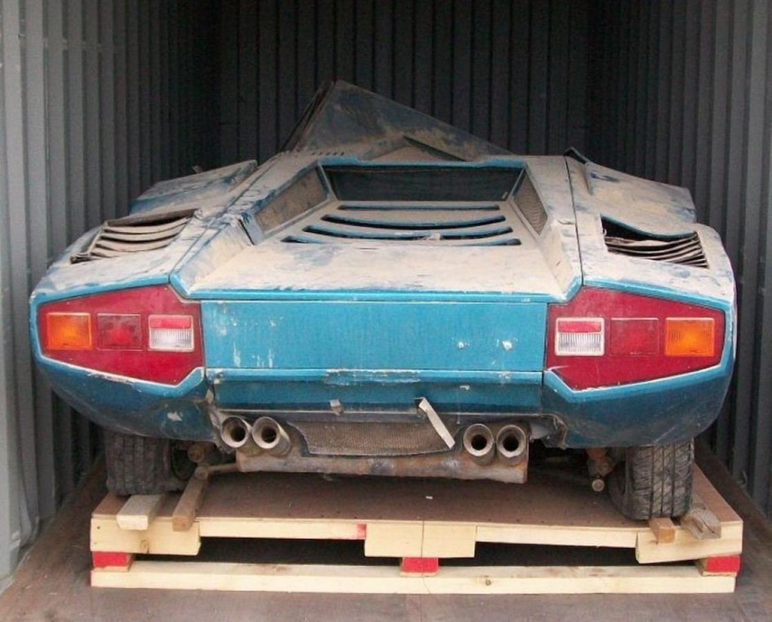 "Rescatan un Lamborghini Countach LP400 ""Periscopio"" abandonado"