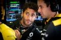"""Ricciardo: """"Renault ha mejorado mucho el motor, sólo queda mejorar el coche"""""""