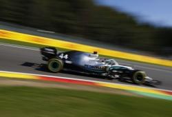 """Hamilton, a dos vueltas de la victoria: """"Leclerc apenas ha cometido errores"""""""