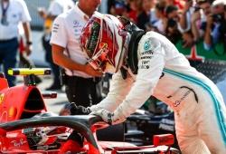 Hamilton envía un mensaje a los comisarios tras la defensa de Leclerc en Monza