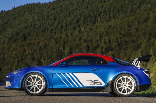 El Alpine A110 Rally luce imponente antes de su debut