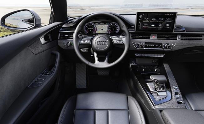 Audi A5 Cabrio 2020 - interior