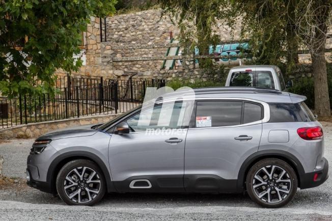 Citroën C5 Aircross Hybrid - foto espía lateral