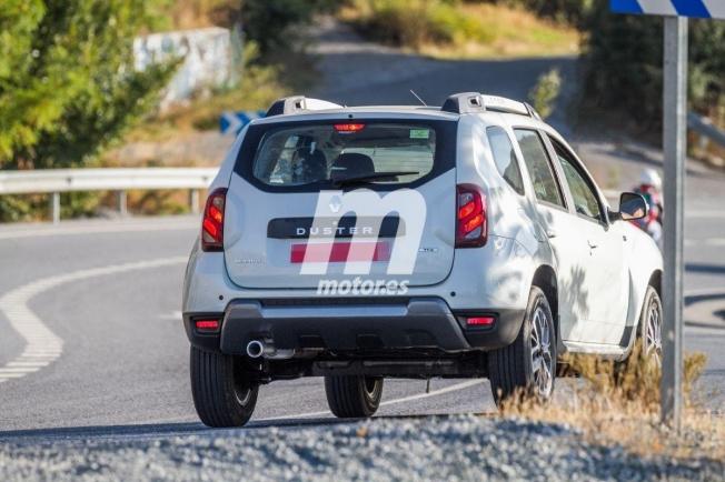 Renault Duster 2020 - foto espía posterior