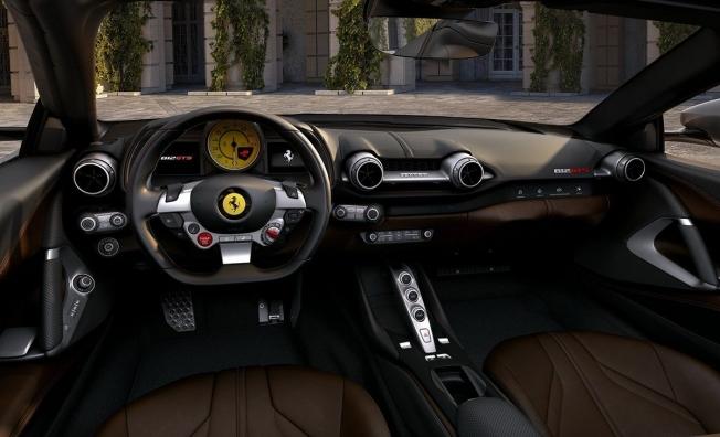 Ferrari 812 GTS - interior