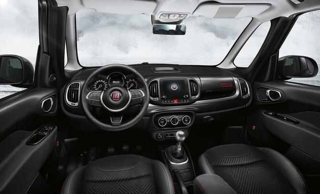 Fiat 500L Sport - interior