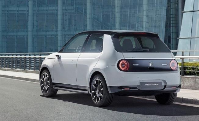 Honda e - posterior