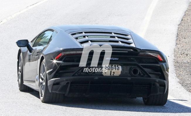 Lamborghini Huracán EVO Performante - foto espía posterior