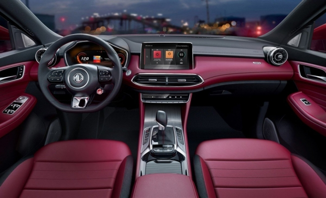 MG HS - interior