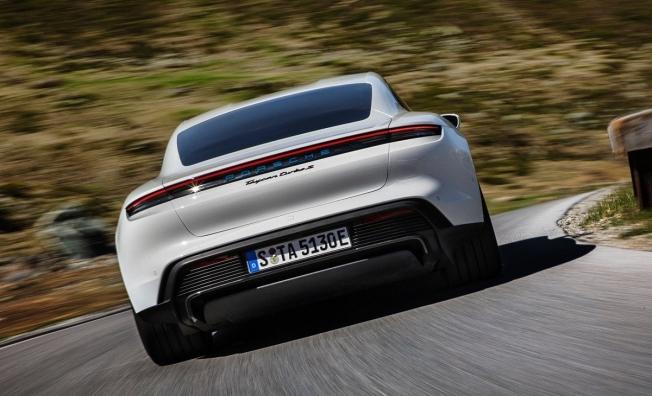 Porsche Taycan - posterior