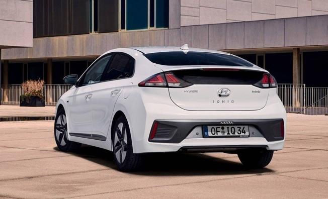 Hyundai IONIQ Híbrido - posterior