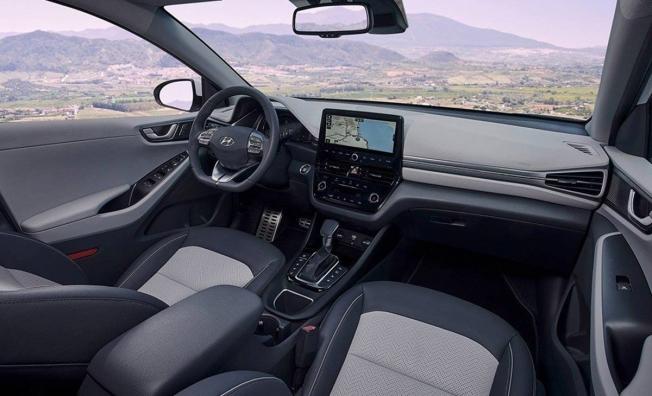 Hyundai IONIQ Híbrido 2020 - interior