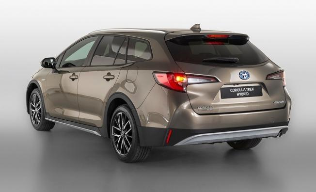 Toyota Corolla Trek - posterior