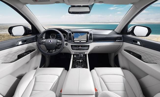 SsangYong Rexton 2020 - interior