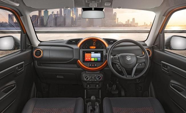 Suzuki S-Presso - interior