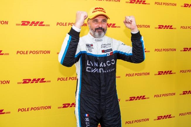 Muller se lleva la primera pole del WTCR en Ningbo, Azcona es tercero