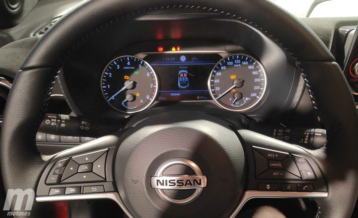 Nissan Juke II (2019) 10